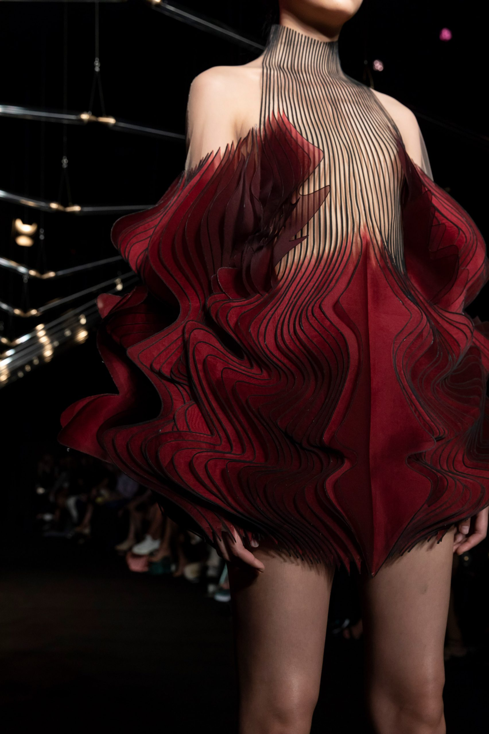 studio-drift-iris-van-herpen-fashion-design_dezeen_2364_col_13-1704x2556