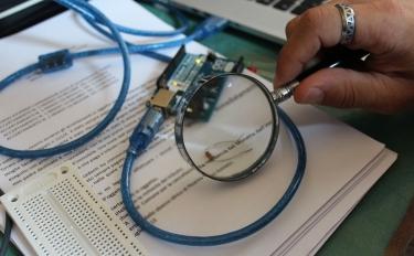 AAA cercasi esperto in elettronica e fabbricazione digitale per lavoro a progetto