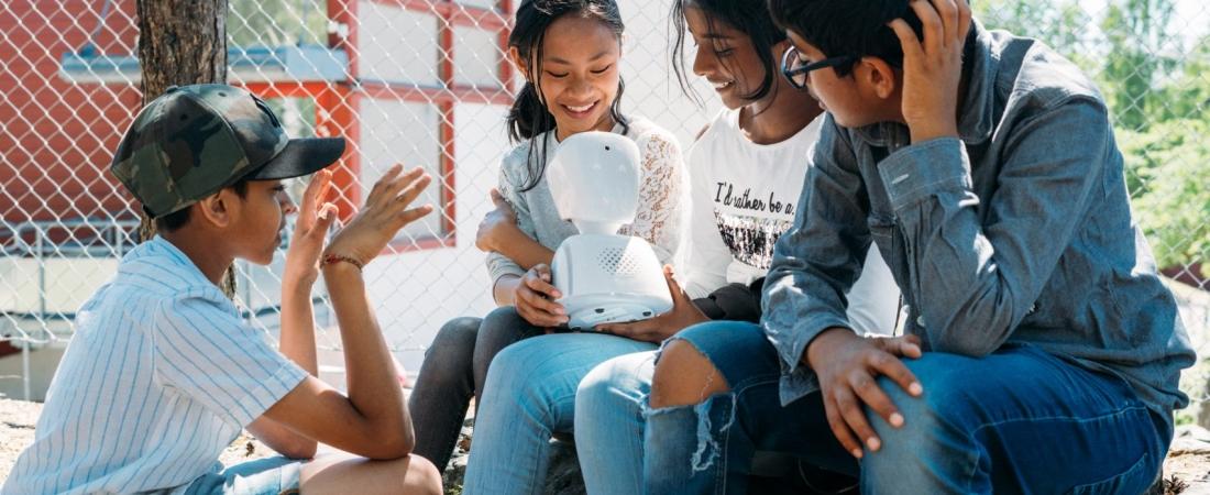 Arriva AV1, il robot che aiuta i bambini malati a stare al passo con i compiti scolastici