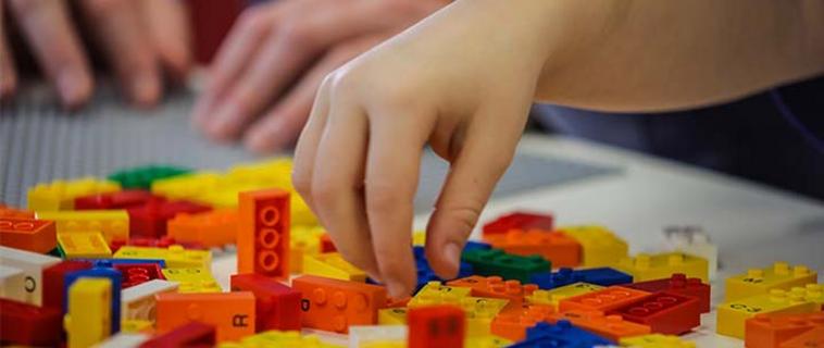 Lego lancia Braille Bricks per bambini ciechi e ipovedenti