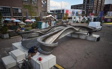 Ultimato il primo ponte in acciaio stampato in 3D al mondo